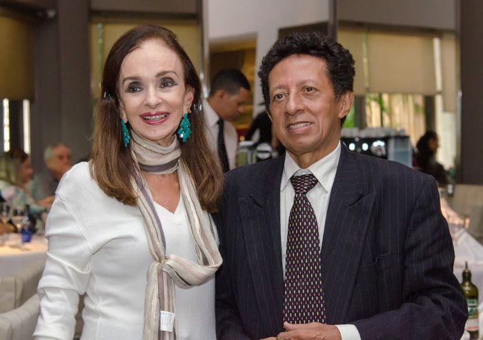 Verinha Luedy e Valterio Pacheco convidam você para o almoço beneficente de quarta-feira dia 29 no Amado