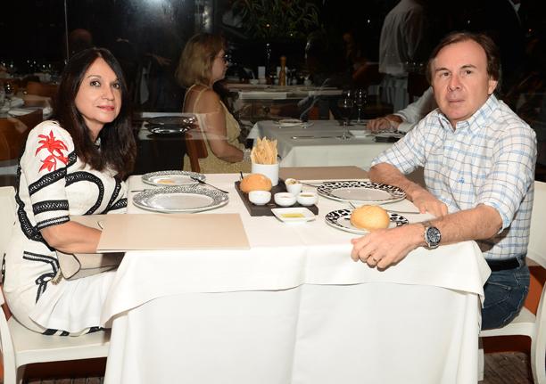 Giuseppe Belmonte e Rejane jantando no Amado dia 11 de março
