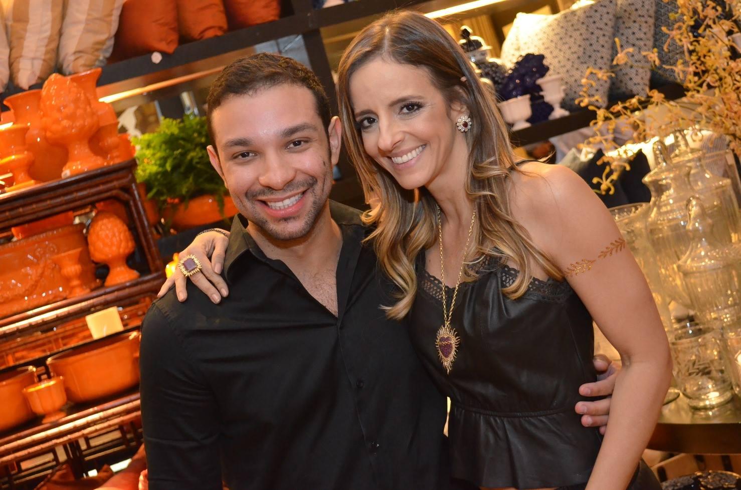 Sandy Najar a aniversariante de ontem(27), com o amigo Rafael Freitas at special time