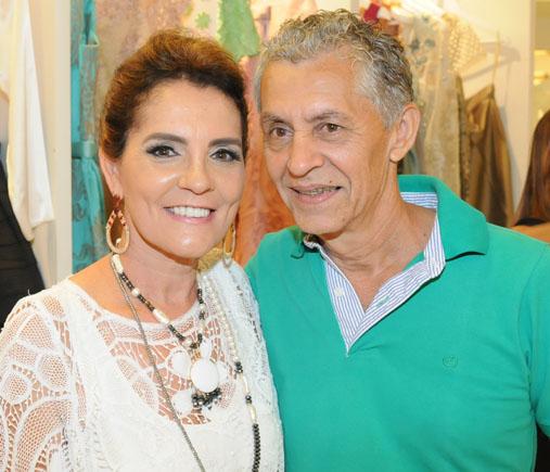 Cristina Luna é a nobre aniversariante de hoje, na foto ele está com o esposo Anderson Luna