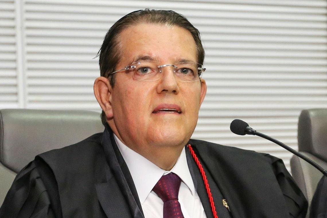 Desembargador Juthay Fonseca Júnior, presidente do TRE, é o nobre aniversariante de17 de dezembro