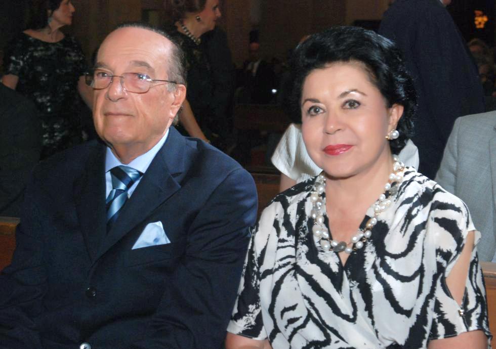 Ângelo Calmon de Sá, o nobre aniversariante da quarta-feira(01), na foto ele está com a esposa Ana Maria Sá