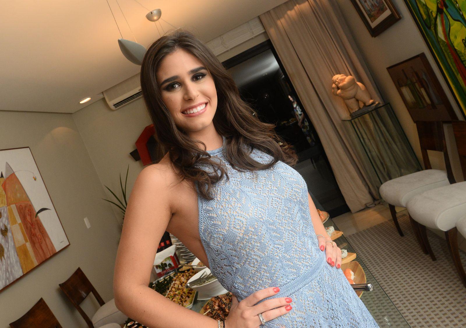 Walter Pinheiro(jornalista), é o nobre aniversariante de hoje, na foto ele está com sua esposa Gel Pinheiro