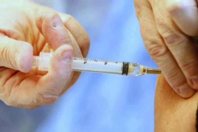 Desembargador José Rotondono será o homenageado do dia 9/11. ele esta à esquerda de ACM Neto e Maria do Socorro Santiago