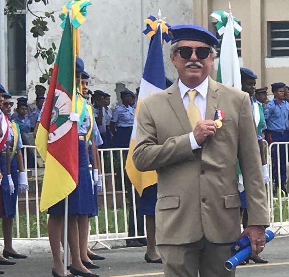 Polícia Militar homenageia o empresário Luiz Mendonça