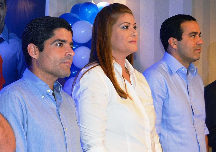 A Vereadora Taissa Gama a aniversariante de hoje(16), entre o prefeito ACM Neto e o vice Bruno Reis, very important people