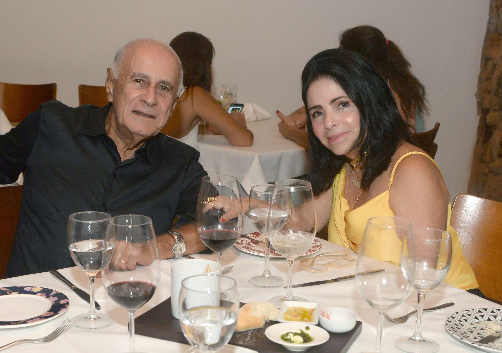 Tina e José Renato Lima o casal destaque de hoje dia 25 de novembro
