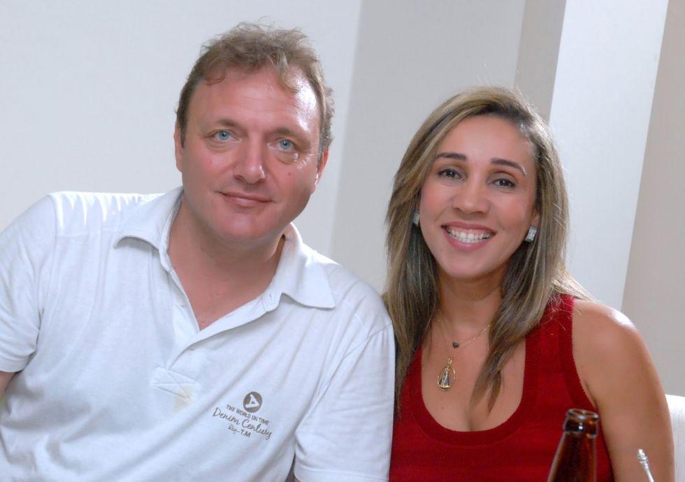 Lila Moraes Kunz a aniversariante de hoje, na foto ela está com seu esposo Daniel Kunz, Cônsul da Suiça na Bahia