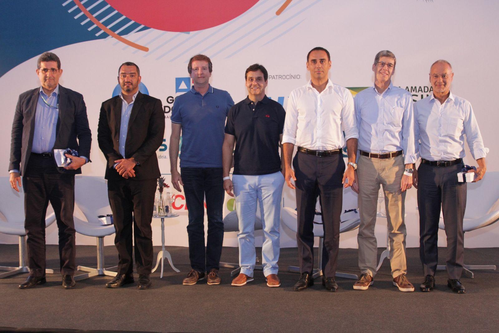 Laudicéia e Dr. Geraldo Leite foram destaque na posse do Dr. Edvaldo Brito na Academia de Letras da Bahia