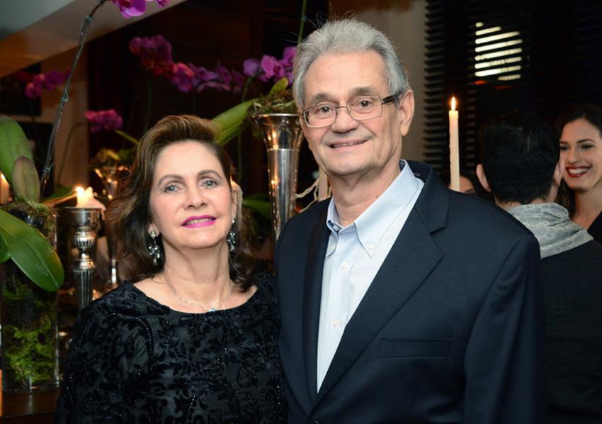 Helena Fialho a aniversariante de hoje dia 5 de fevereiro, na fotos ela está com o esposo Eduardo Fialho