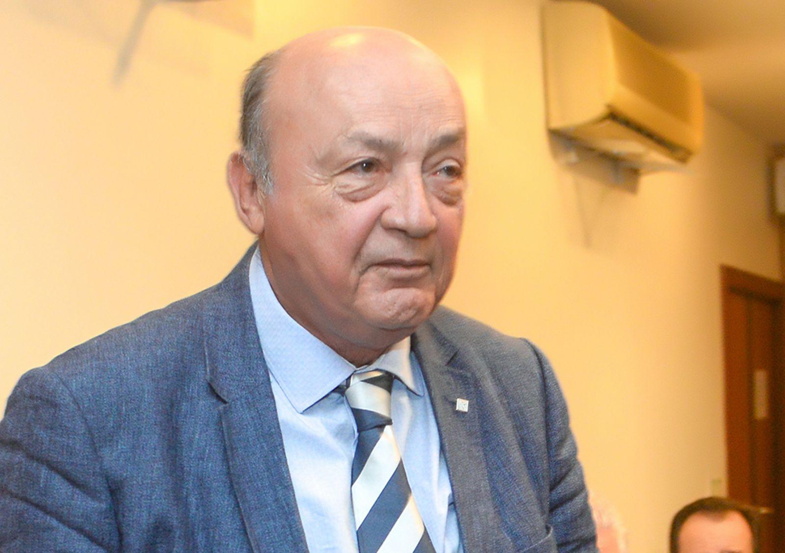 Edgar Medrado é o aniversariante de hoje dia 21 de outubro, na foto ele está com Regina Cerqueira e Moema Pitanga