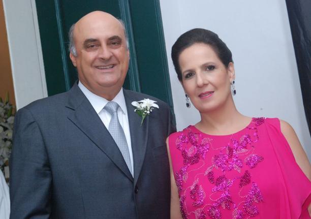 Nestor Guimarães Duarte e sua esposa Verônica, ele o atual Secretário de Administração Penitenciária, é o casal destaque de hoje
