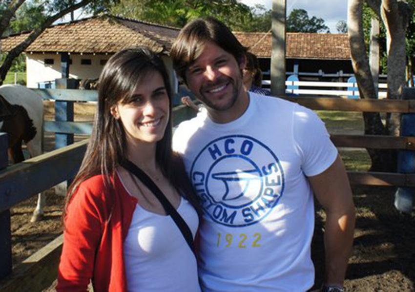 Flávio Brito o aniversariante de hoje, na foto ele está com a esposa Ana Carolina Suarez Brito