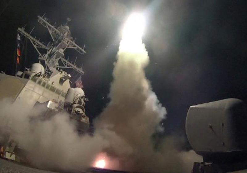 Ataque dos EUA com 59 misseis matou civis e crianças na Síria. Veja também todas as noticias importantes do dia