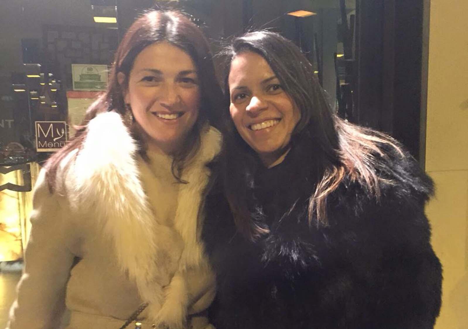 Luzia Bota a de preto, é a aniversariante de hoje dia 13, na foto ela está com Kátia Vucic very importnat person da moda