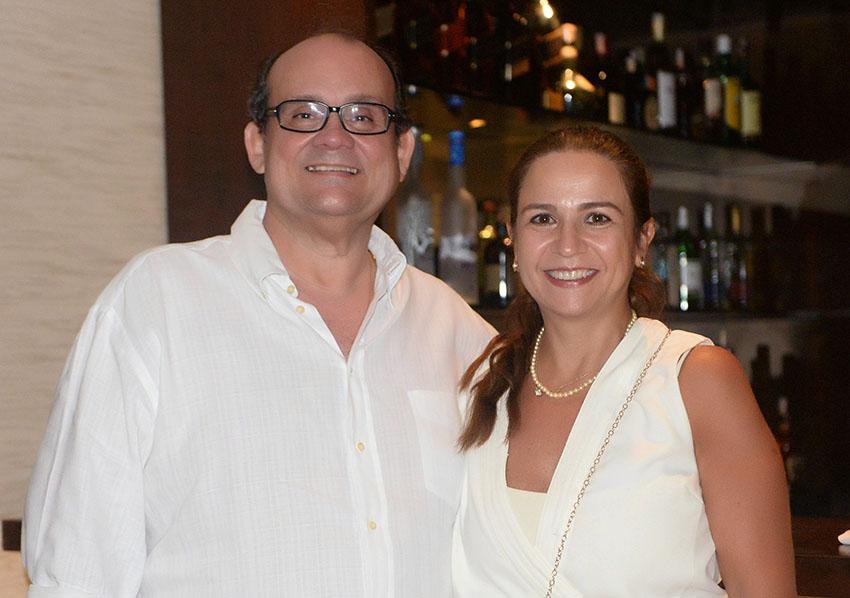 Verônica e Ademar Lemos abriram o seu famoso Rest. francês Chez Bernard no Reveillon, para 50 casais very imporant