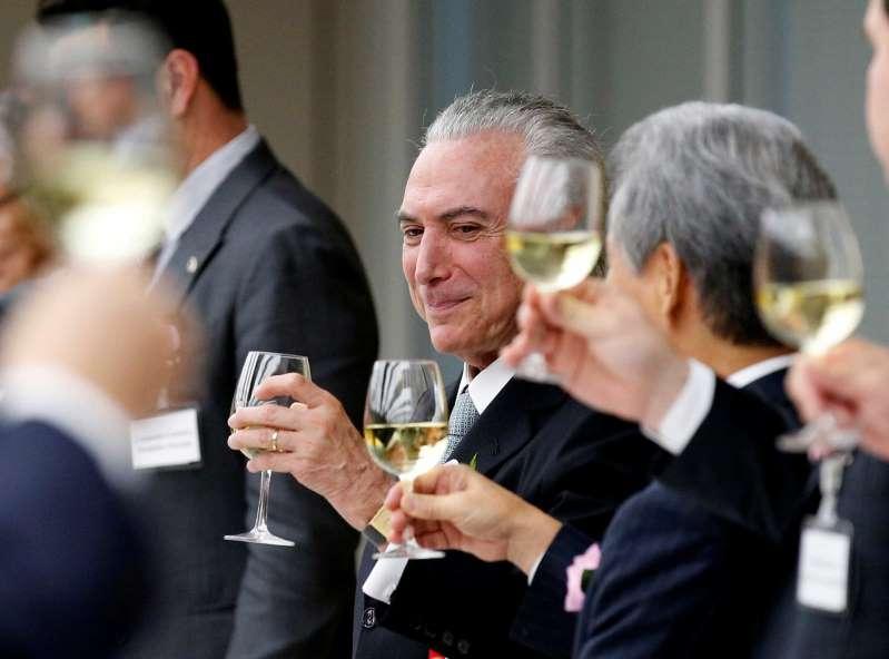 O infectologista Roberto Badaró e Ana o casal destaque deste sábado 20 de janeiro de2018