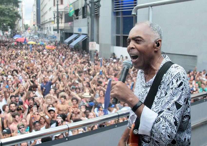 Gilberto Gil lota esquina mais famosa de São Paulo