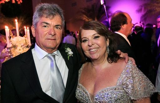 Mônica Gordilho é a aniversariante de hoje, na foto ele está com o esposo o engenheiro Eugênio Mendes