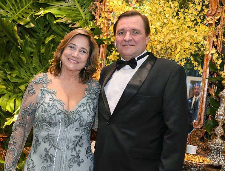 Michelle Marie Magalhães e Alvaro Carascosa an important couple nos 70 anos de Milton Martinelli