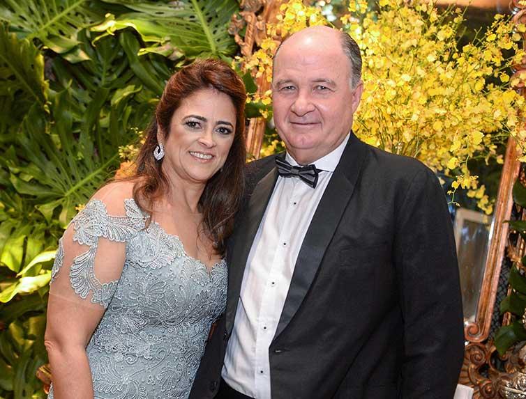 Sandra Valente Sande e Jorge Sande foram destaque nos 70 anos de Milton Martinelli.