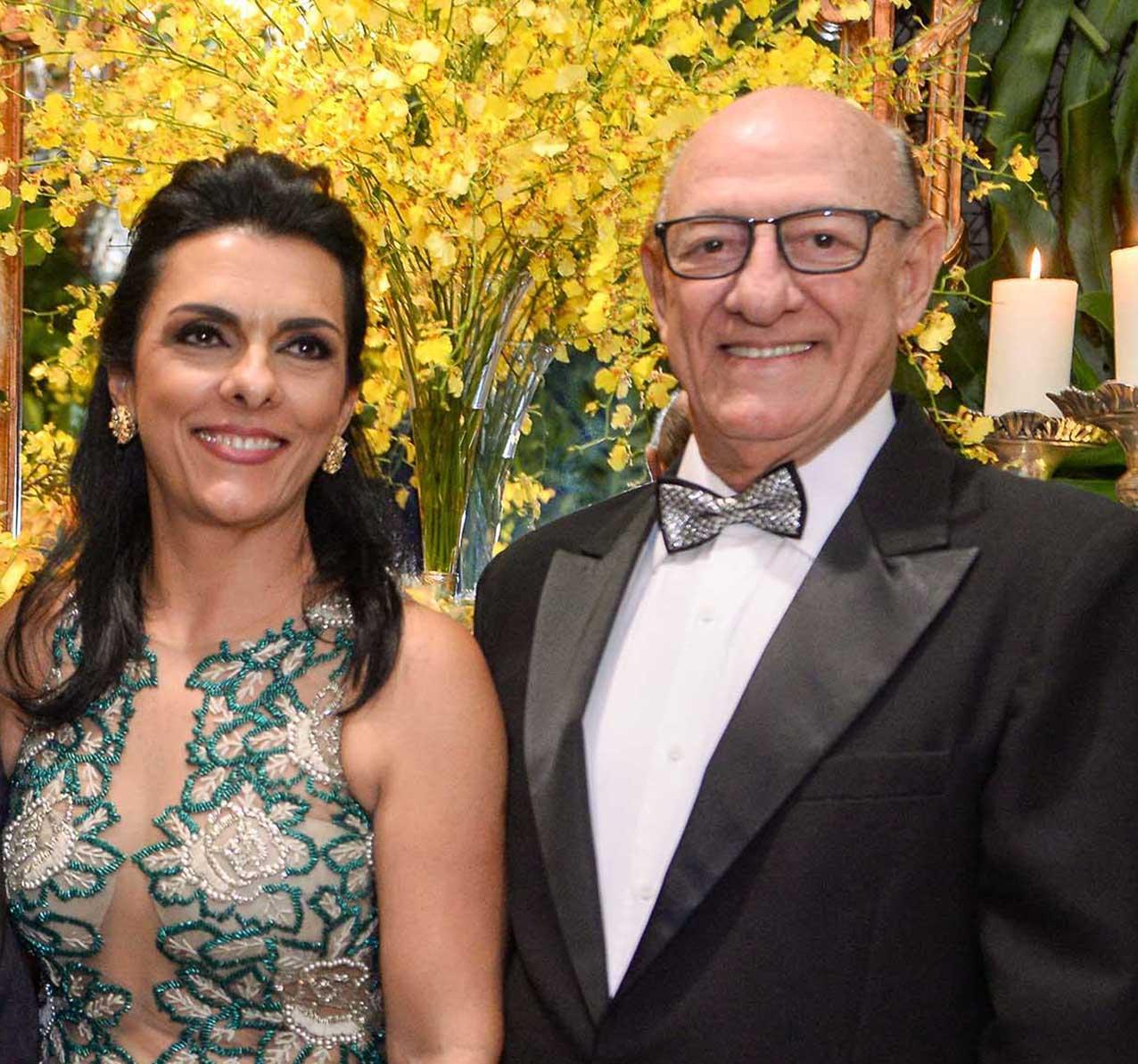 Frank Gomes e Valéria foram destaque nos 70 anos de Milton Martinelli no Cerimonial Mansão Cunha Guedes