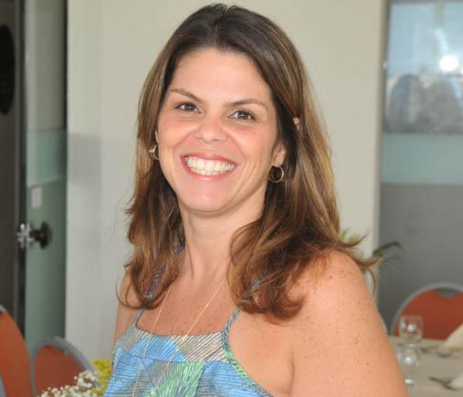 Alexandra Isensee Costa é a amada aniversariante do dia 07, como comemorações ontem dia 18 de julho