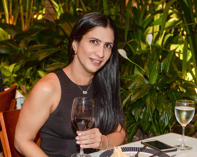 Carine Queiroz empresária do ramos de restaurantes é o Destaque Mulher de hoje dia 30 de julho de 2018