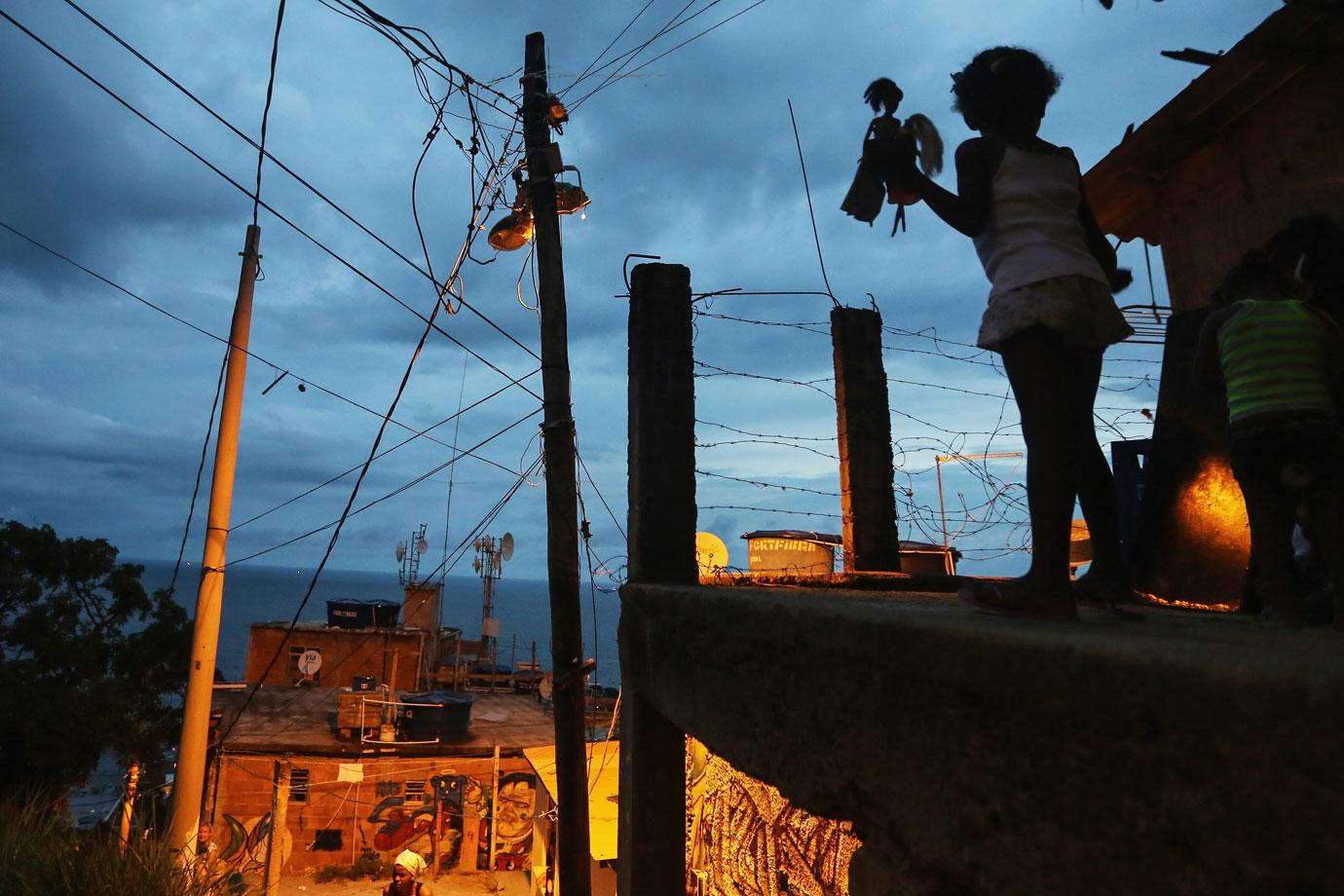 RJ dobra nº de crianças no tráfico em uma década. Clisk pra ver mais...