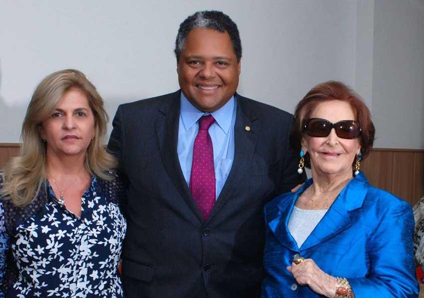 O deputado Federal Antonio Brito é o Destaque Político de hoje dia 08 de agosto de 2018. Veja com quem ele está...
