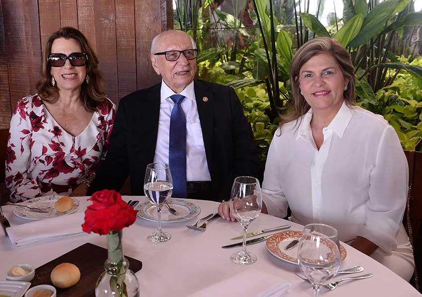 Leila Brito  superintendente da Fundação José Silveira é nobre aniversariante de hoje dia 13 de agosto. Ver mais