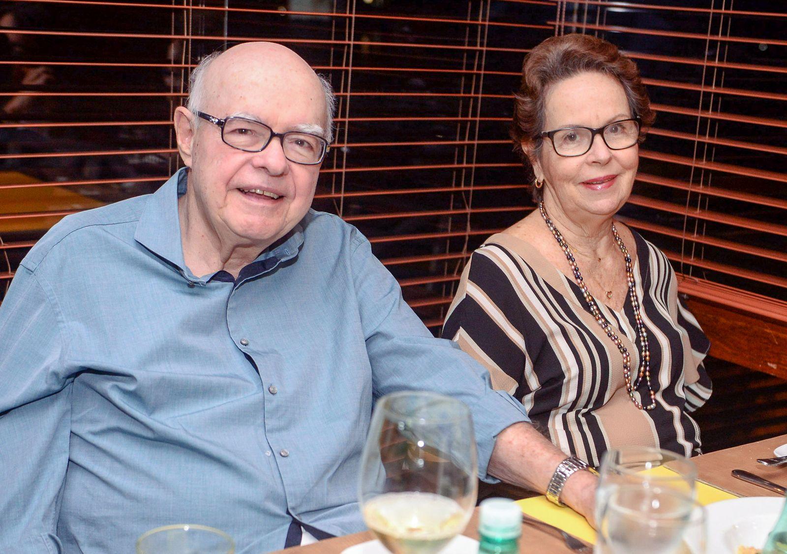 Professor Manoel Barros e Stela é o casal destaque de hoje dia 20 de setembro. Click