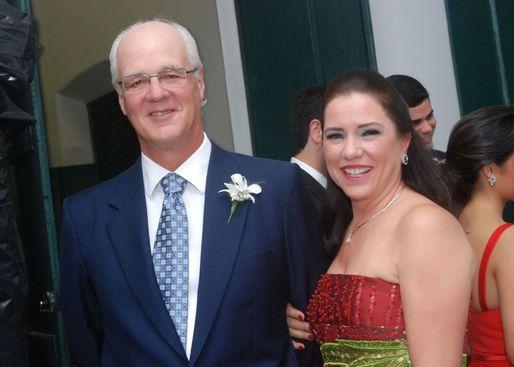 Pérola e Ricardo, ele filho de Ana Maria e Guga Valente estarão se casando.