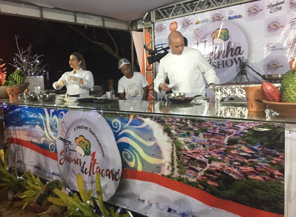 Aula show marca abertura do Festival Gastronômico Sabores de Itacaré