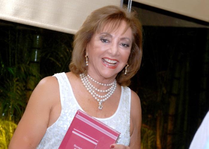 Margarida Luz recebe para almoço em sua casa de Veraneio na Ilha