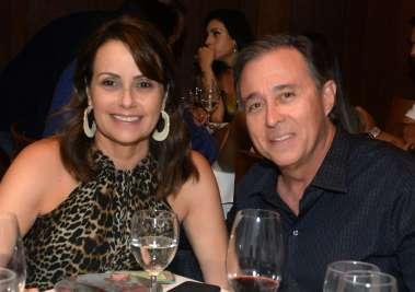 Regina e Edgar Medrado jantando no Amado em fotos de Valterio