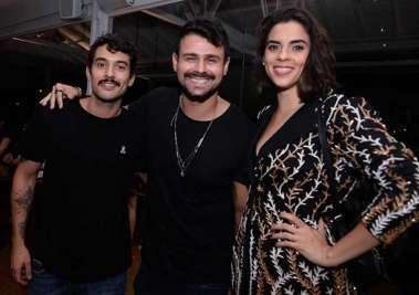 O trio de DJ famoso Mateus Queiroz,Rafa Mattei e Ana Julieta no Soho encontro de DJs