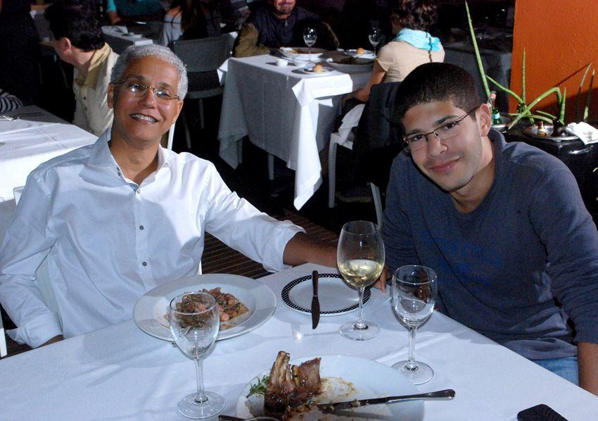 Celebridades jantando sexta-feira no Amado das Soho e OUI da Barra
