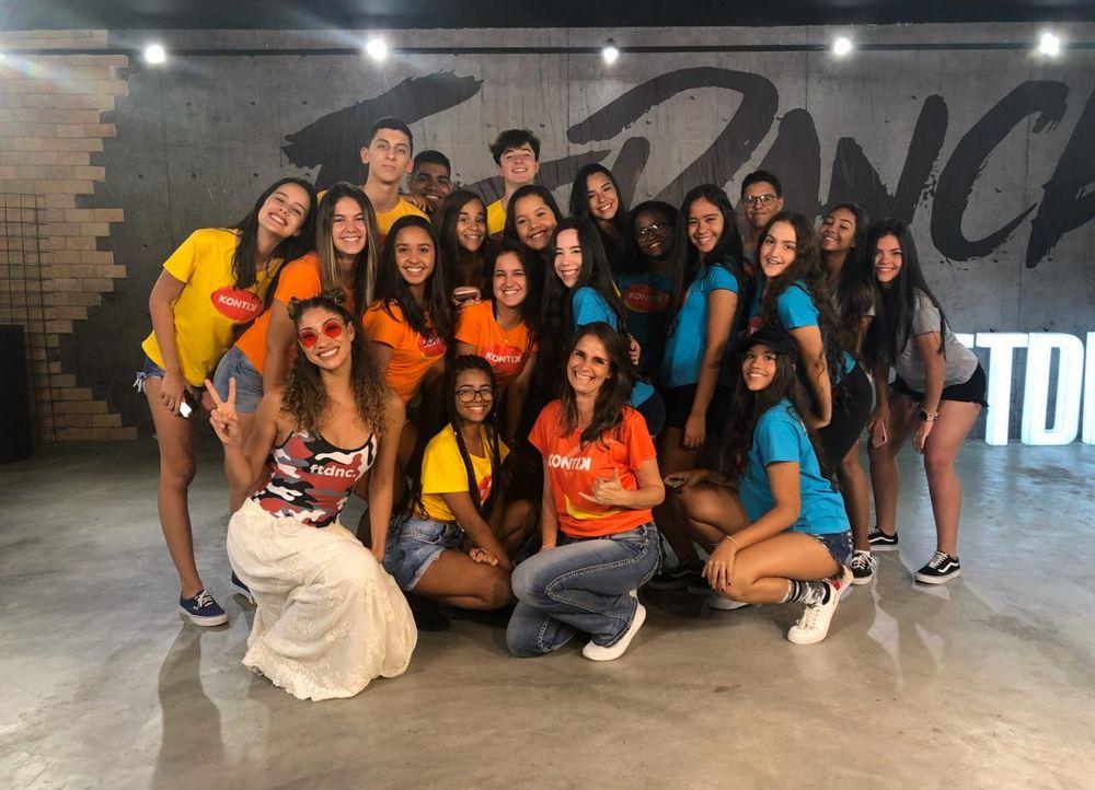 KONTIK TEEN E FIT DANCE PREMIAM VENCEDORES DE CAMPEONATO DA DISNEY COM GRAVAÇÃO DE CLIPE