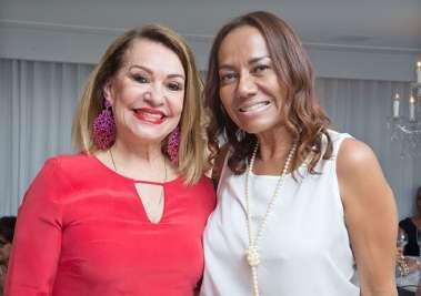 Norma Correia com a Juíza do Trabalho Geruzia Amorim, em fotos de Valerio Pacheco