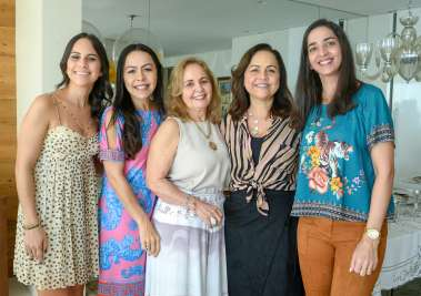 Fernanda Pimentel, Andrea Goldenstein, Ester Leal, Marcia Leal e Luciana Pinto em fotos de Valterio