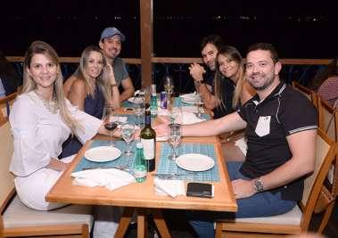 Eles jantaram nos restaurantes EGEU e AMADO no sábado 03/03/2018