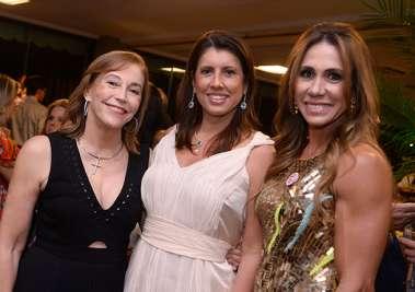 Prefeita Fátima Nunes com esposa de deputados na festa do Hospital de Irmã Dulce