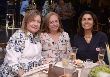 Valquira Souza da Silveira, Déa Catalão e Laura Tanuri na festa do bem para obras sociais de Irmã  Dulce