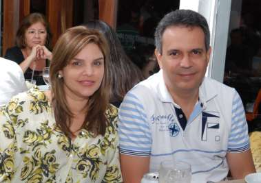 Felix Mendonça Filho e sua namorada do lar, no dia dos namorados em foto de Valterio