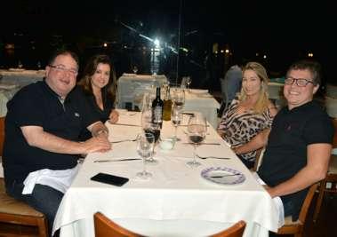 Veja alguns que jantaram dia 23/03 no restaurante Amado e Soho