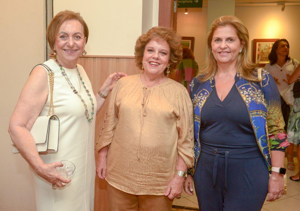 Janete Freitas ganha festa de aniversário no Portobello Hotel, em mais uma tarde maravilhosa.Ver mais...
