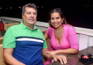 Maurício e Adriana Priore no Soho em fotos de Valterio Pacheco