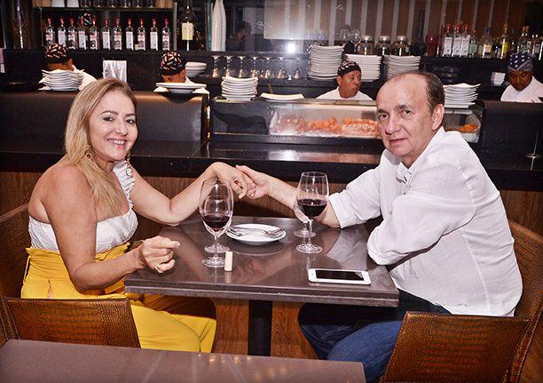 Veja os que jantaram no fim de semana dias 05 e 06 no restaurante Soho da Bahia Marina. Ver mais...