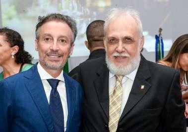Andrea Garziera novo consul da Itália, com Giovane Pisano o ex- Consul da Itália